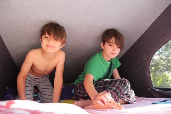 kids enjoying the upper bed
