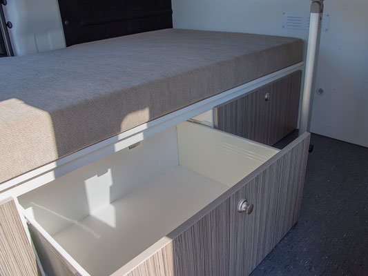 drawers under bed in Hyundai Iload