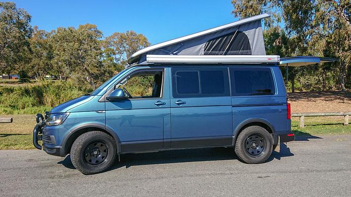 SWB VW T6 blue with Reimo rooof reverse tilt 21069