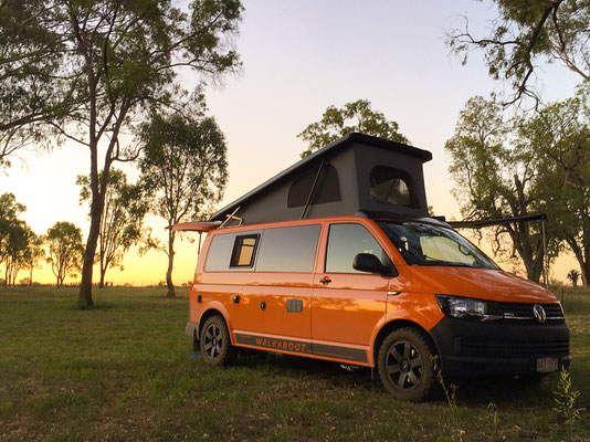 VW T6 organe and blach 4x4 campervan with Reimo roof