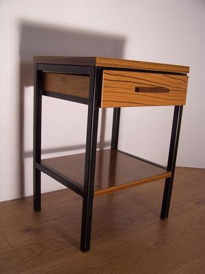Petit meuble de rangement vers 1950