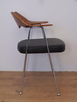 Chaise avec accoudoirs design des années 50 de Robin Day