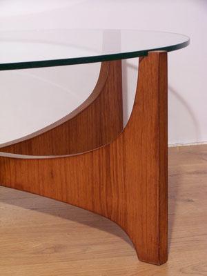 Table basse en verre et teck style scandinave