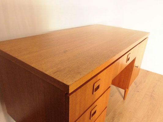 Bureau vintage en bois, style scandinave