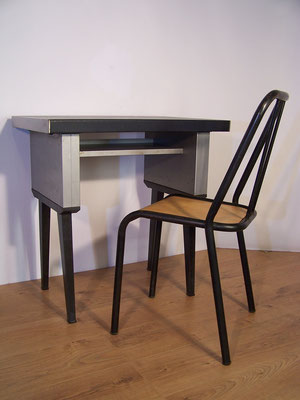 Ensemble industriel Bureau et sa chaise