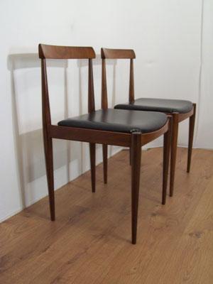 Paire de chaises scandinaves années 60 design Hans Olsen