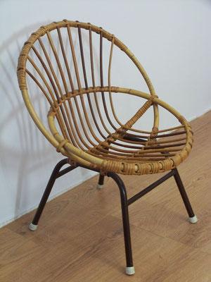 Petit fauteuil coquille en rotin des années 60 pour enfant
