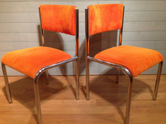 Chaises velours orange 1970