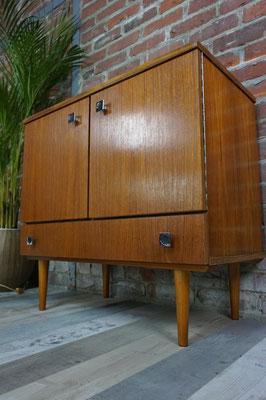 Joli meuble de rangement vintage 1960