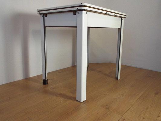 Table tôle émaillée extensible