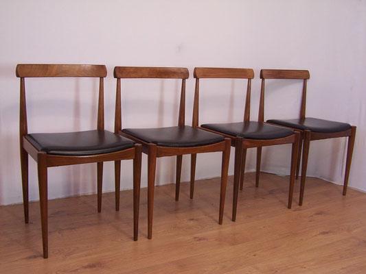 Suite de 4 chaises dans le style de Arne Hovmand Olsen