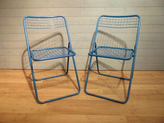 Chaises fil d'acier bleu