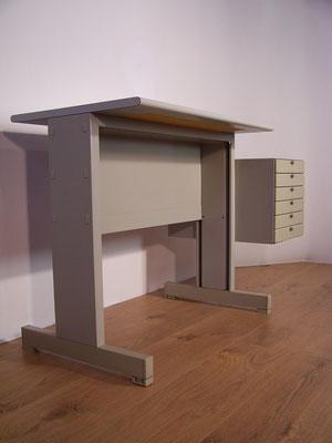 Iconique bureau modulable Olivetti Synthesis 1973