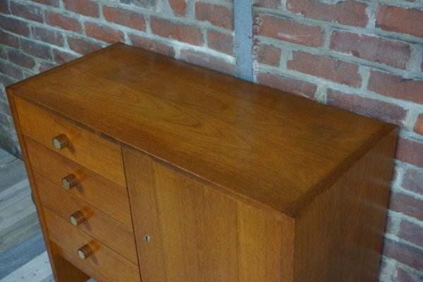 Commode / meuble de rangement en excellent état