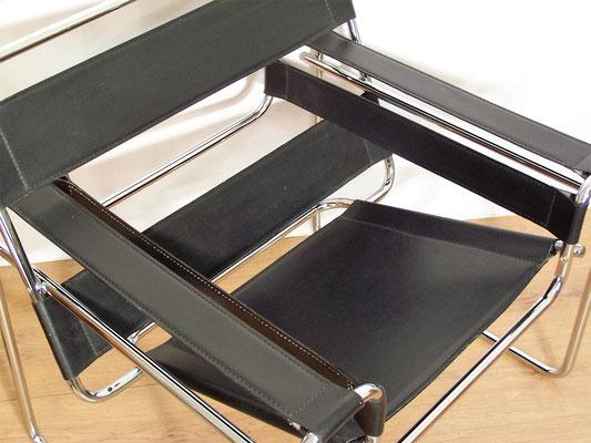 Fauteuil Wassily B3 design Marcel Breuer cuir noir