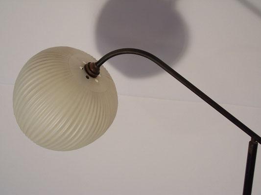 Lampadaire tripode en métal des années 50