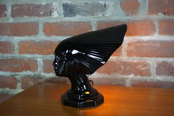 Magnifique lampe représentant la Victoire de Lalique