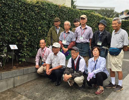 「マドモワゼルマイコ」と 町内会長と横浜ばら会の皆様