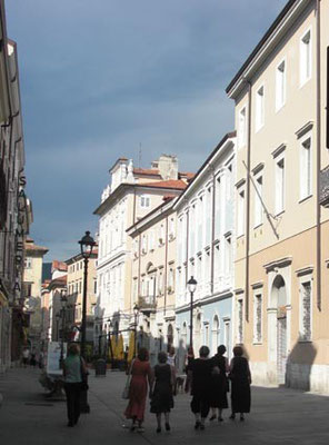 Piazza Cavana