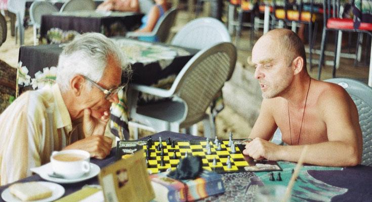 Mit dem alten Ernst beim Schach