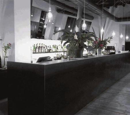 Tavoli tavolo alto da pub panche per pub tavoli pub for Banconi bar usati roma