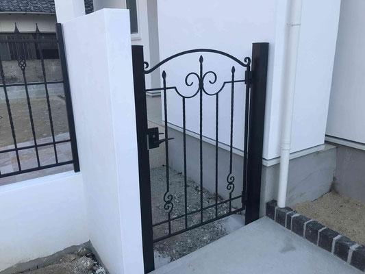 鋳物門扉(お勝手口)