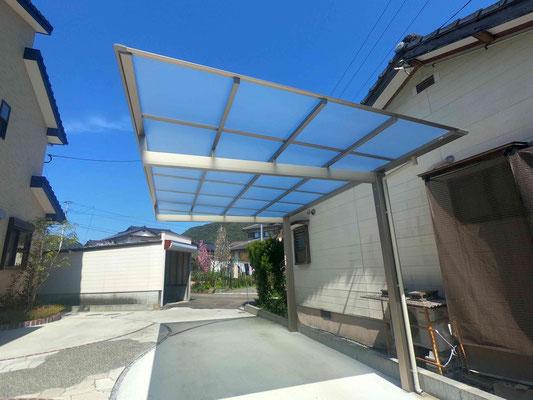 勾配方向が選べる片屋根式カーポート