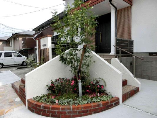 レンガの曲線花壇
