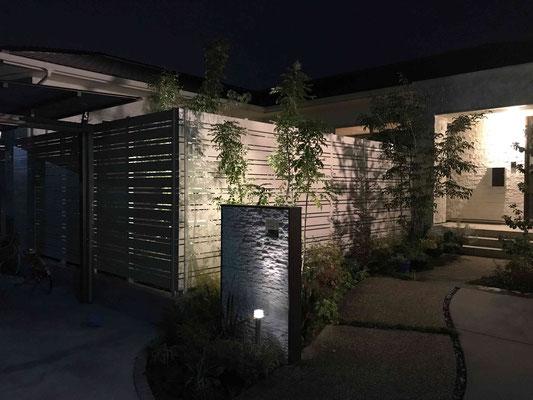 エクステリアライト(ガーデンライト)で夜もきれいに