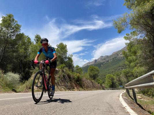 eine der unzähligen, schönen Ausfahrten auf dem Rennvelo in den Hügeln von Spanien
