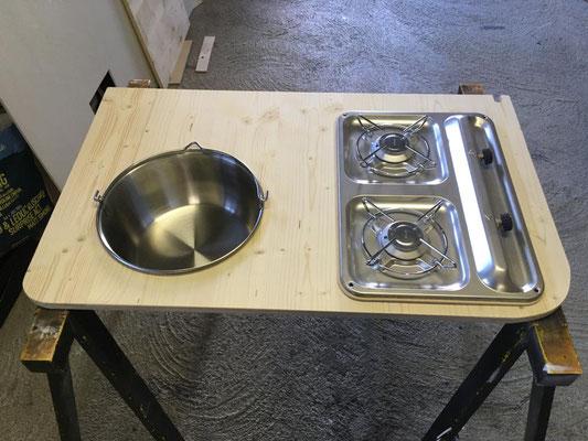 Kochherd mit Abwaschbecken