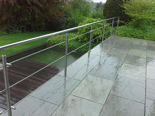 Wassser im Garten macht zu jeder Zeit viel Freude. Wir lassen Sie nicht im Regen stehen und sind gerne Ihr Planer und Umsetzer.