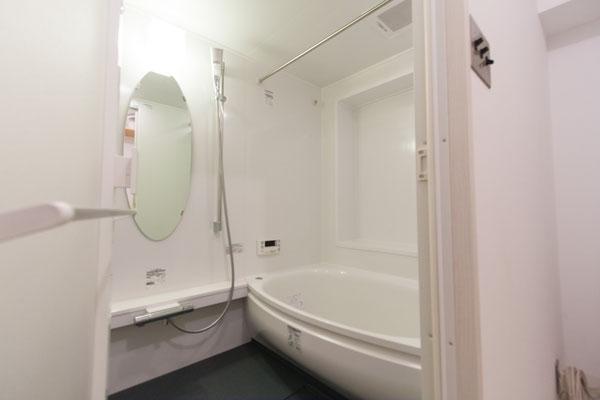 ゆったりとくつろげる空間:浴室のリフォーム事例