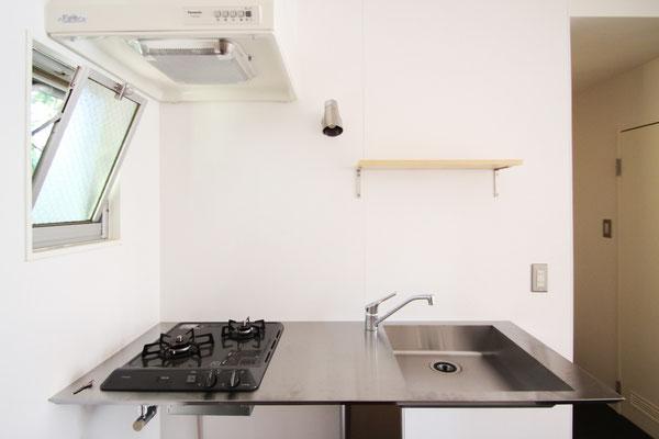 日本の職人芸♪ ステンレス加工のカウンターキッチン:キッチンのリフォーム事例