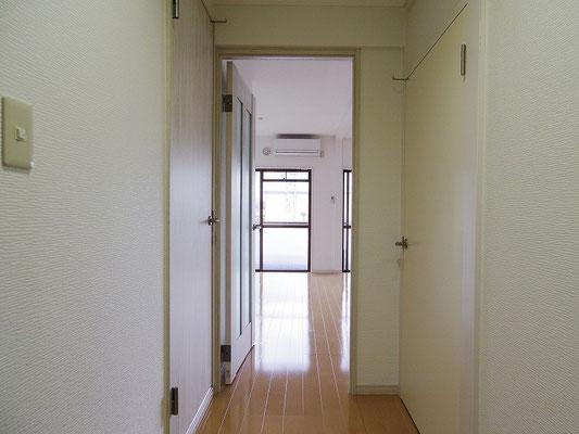 小町第一マンション(2階) 玄関 after