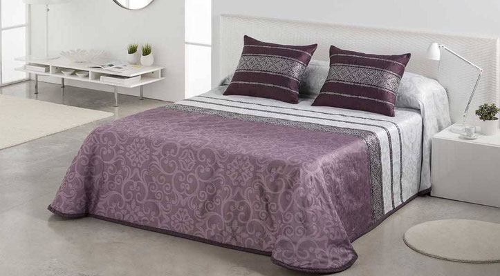 Bouti Jacquard Modelo Gianna (Disponible en Malva, Azul y plata) Tambien en Funda Nordica. Medidas y precios disponibles para camas de: 90cm (129€) 105cm (130€) 135cm (136€) 150cm (139€) 180cm (145€)