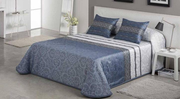 Bouti Jacquard Modelo Gianna (Disponible en Azul, Malva y plata) Tambien en Funda Nordica. Medidas y precios disponibles para camas de: 90cm (129€) 105cm (130€) 135cm (136€) 150cm (139€) 180cm (145€)