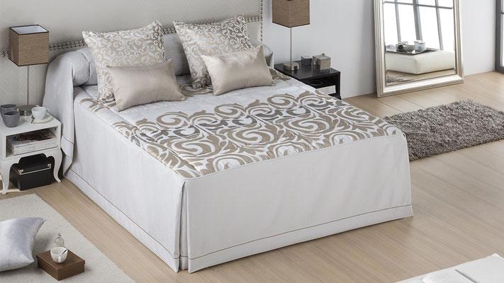 Colcha Edredon Modelo BOLOGNIA (Disponible en Oro y plata) Tambien en Bouti y Funda Nordica. Medidas y precios disponibles para camas de: 90cm (109€) 105cm (114€) 135cm (145€) 150cm (149€) 180cm (159€)