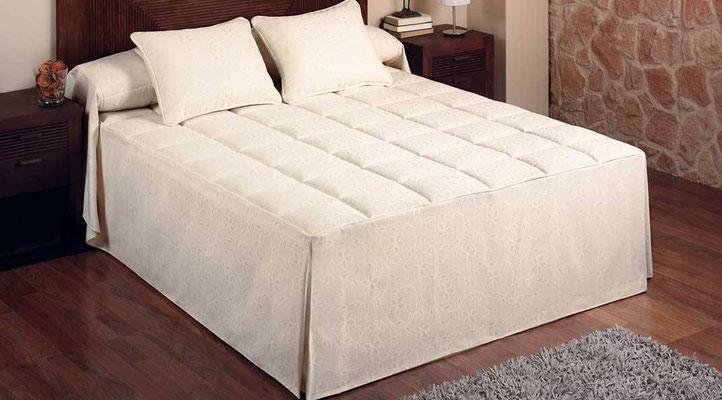 Colcha Edredon Modelo 790 (Color Unico). Medidas y precios disponibles para camas de: 90cm (74€) 105cm (79€) 135cm (89€) 150cm (95€) 180cm (108€)