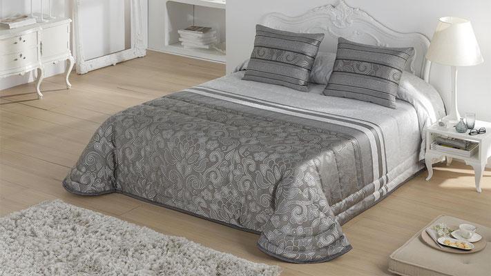 Bouti Jacquard Modelo FIRENZA (Disponible en Plata, Oro y Malva) Tambien en Funda Nordica. Medidas y precios disponibles para camas de: 90cm (129€) 105cm (130€) 135cm (136€) 150cm (139€) 180cm (145€)