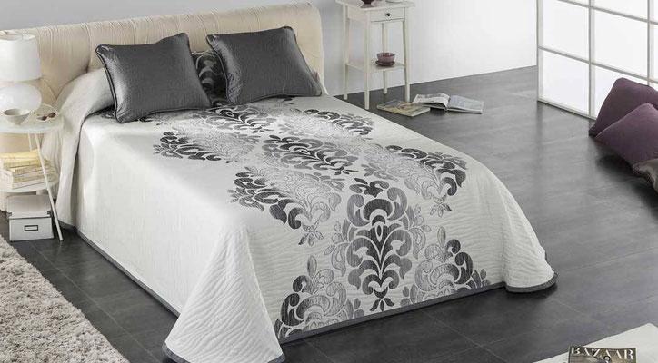 Colcha Pique Reversible Modelo Palace (Disponible en (Plata, Beig y Fucsia) Medidas y precios disponibles para camas de: 135cm (89€) 150cm (93€) 180cm (99€)