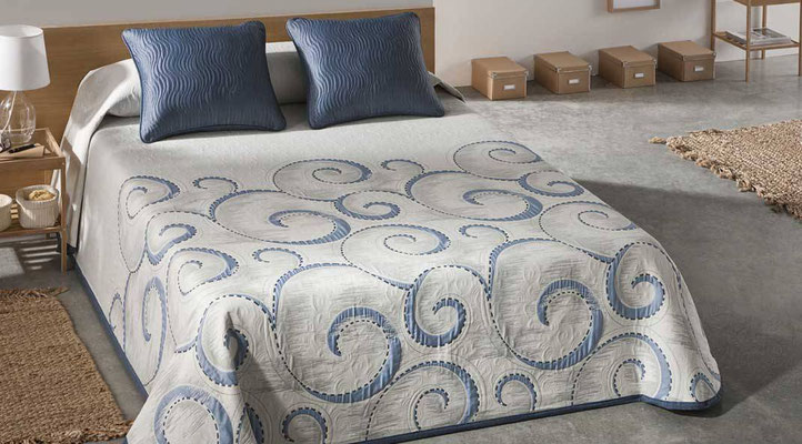 Colcha Pique Reversible Modelo Atica (Disponible en (Azul, Fucsia y Beig) Medidas y precios disponibles para camas de: 90cm (95€) 105cm (96€) 135cm (97€) 150cm (98€) 180cm (99€)