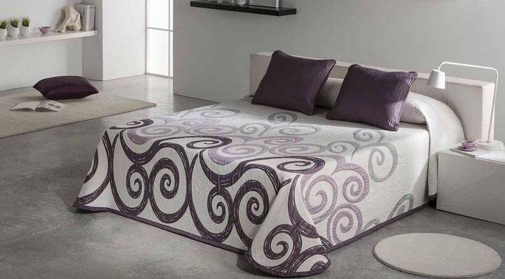 Colcha Pique Reversible Modelo Talia (Disponible en (Fucsia, Azul y Beig) Medidas y precios disponibles para camas de: 90cm (95€) 105cm (96€) 135cm (97€) 150cm (98€) 180cm (99€)