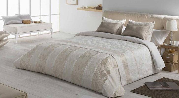 Funda Nordica Jacquard Modelo Stella (Disponible en Oro y Plata) Tambien en Bouti y Colcha Edredon. Medidas y precios disponibles para camas de: 90cm (96€) 105cm (99€) 135cm (109€) 150cm (112€) 180cm (125€)