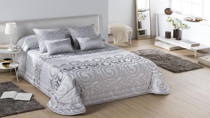 Bouti Modelo BOLOGNIA (Disponible en Plata y Oro) Tambien en Colcha Edredon y Funda Nordica. Medidas y precios disponibles para camas de: 90cm (128€) 105cm (129€) 135cm (129€) 150cm (135€) 180cm (139€)