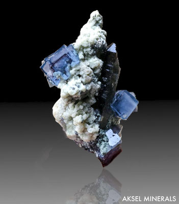 SOLD AM205 - Fluorite et Quartz Fumé sur Calcite - Longquan, Fujian, Chine - 44 x 70mm