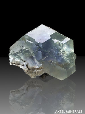 AM332 - Fluorite - Yaogangxian mine, Yizhang county, Hunan Province, China