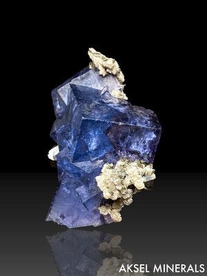 AM618 - Fluorite sur Mica et Arsenopyrite - Yoagangxian Mine, Yaogangxian W-Sn ore field, Yizhan Co, Chenzhou, Hunan, Chine - 55x25mm