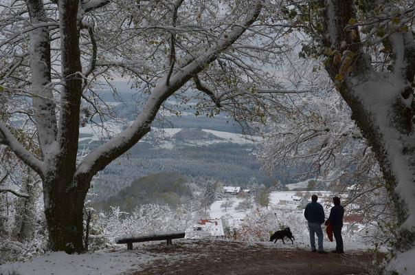 Auf dem Weg zum Hohenstaufen öffnet sich kurz der Blick ins Tal