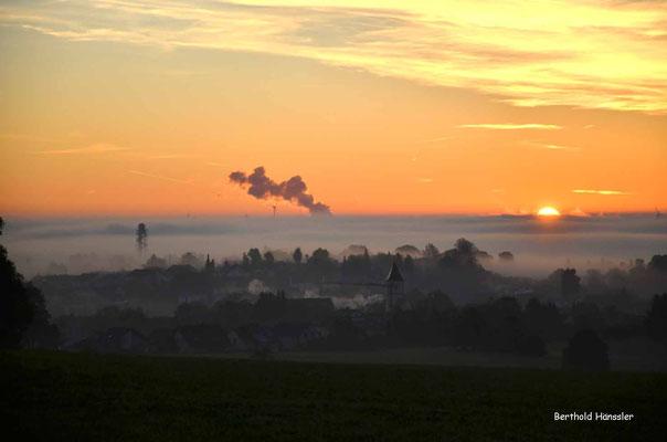 Sonnenaufgang über Aufhausen